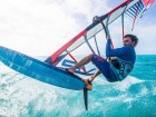 Starboard-windsurfing-2019-iSonic-Matteo-jumping